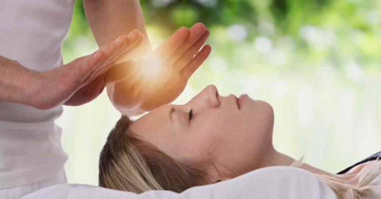 What Is The Difference Between A Reiki Master and A Reiki Healer